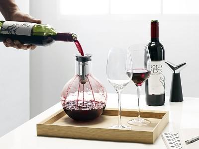 Как подавать и пить вино