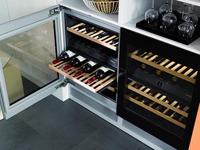 Основные особенности встраиваемых винных шкафов